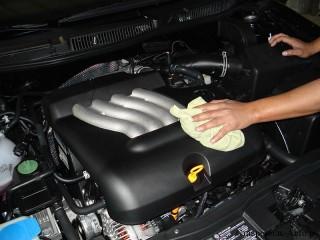 Как правильно мыть двигатель автомобиля ?